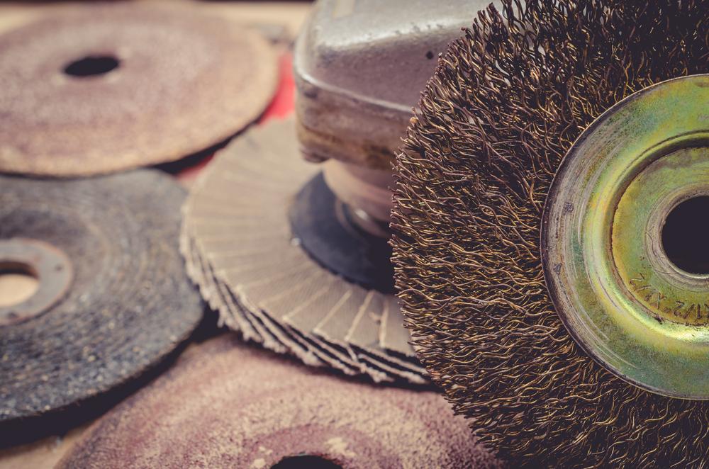 Tips: Uso de Abrasivos y Cepillos de Alambre